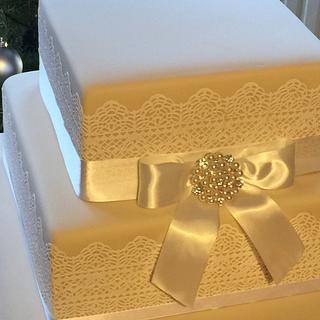Lace & ribbon wedding cake - Cake by Mulberry Cake Design