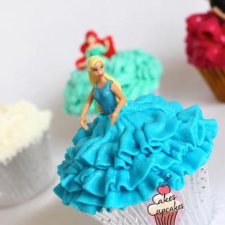 Doll cupcakes (ruffle nozzles)