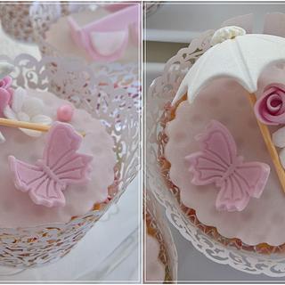Elegant wedding cupcakes I.