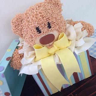 Teddy bear gift box cake