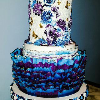 Matching wedding cake and cake stand