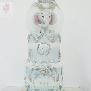 Snow globe elephant cake