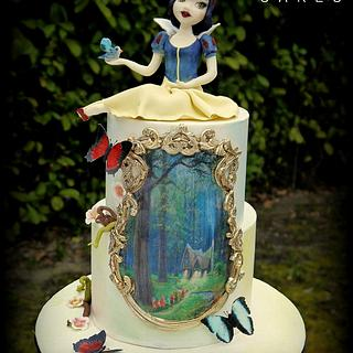 Snow White and the enchanted forest
