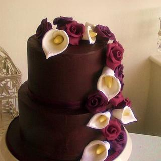 Beautiful & Elegant Chocolate Ganache Wedding Cake