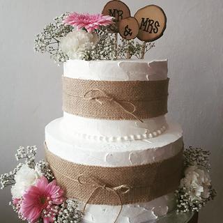 Wedding burlap cake