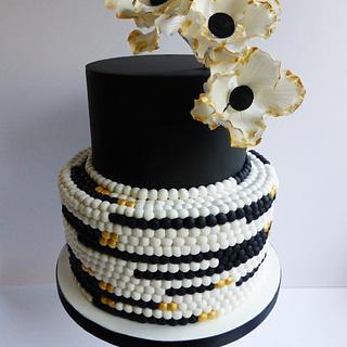 {Freya} black & gold wedding cake - Cake by Cookie Delicious