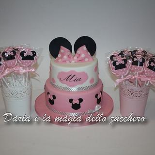 Minnie cake and lollipops
