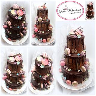 Chocolate cake with Macarons