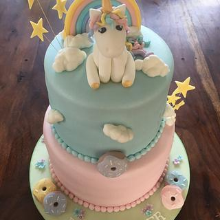 Baby shower unicorn cake