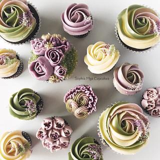 Cupcakes in Nature Tones - Cake by Sophia Mya Cupcakes (Nanvah Nina Michael)