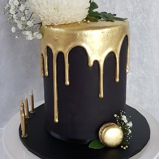 Black white gold drip cake