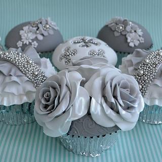 Cake International Silver Cupcakes