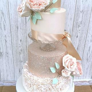 blush glitter wedding cake - Cake by Nerea's dreamy Cakes