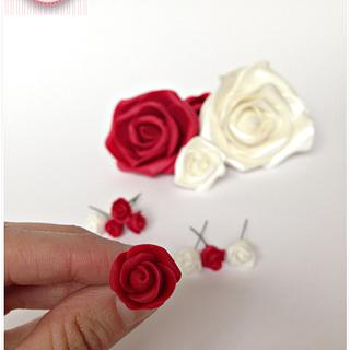 Miniature sugarpaste flowers