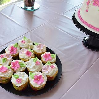 Rehearsal dinner cupcakes!