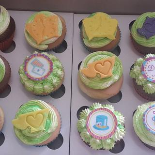Madhatter cupcakes - Cake by Rencia's Creations
