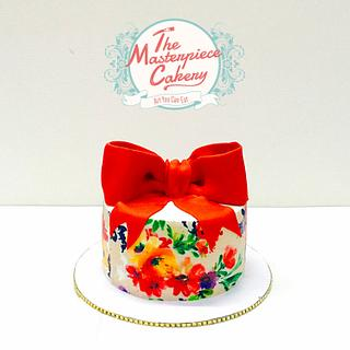 Water color painting effect on a cake
