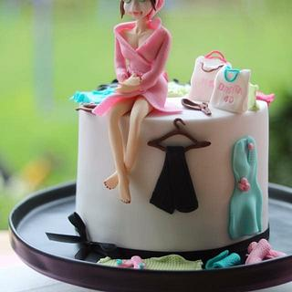 Beauty Wellness Shopping cake