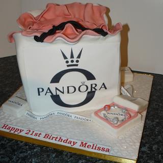 Pandora shopping bag and bracelet cake