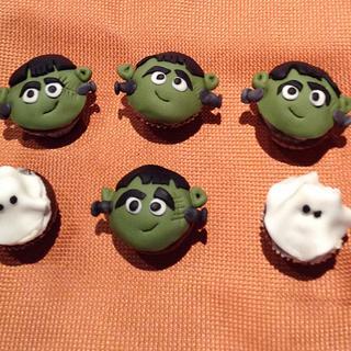 Tiny Halloween Cupcakes