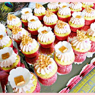 Mini Royal Cupcakes - Cake by Princess of Persia