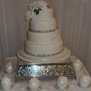 Winter Wedding Cake x