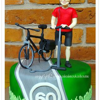 Biker and his bicycle - Cake by slodkababeczkatczew