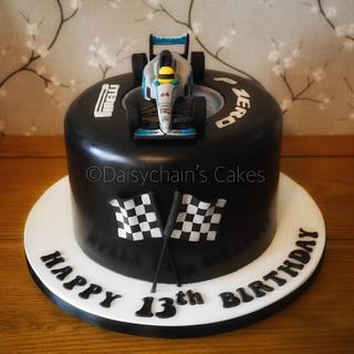 F1 racing car cake
