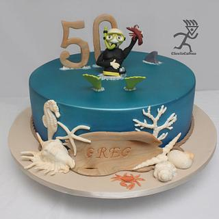 Diver Cake with edible figurine, shells, coral & diftwood - Cake by Ciccio
