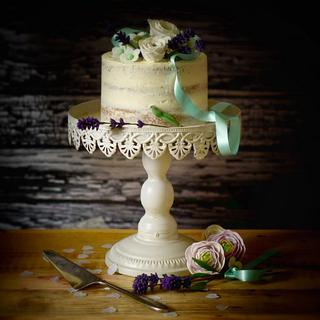 Semi Naked Buttercream cake