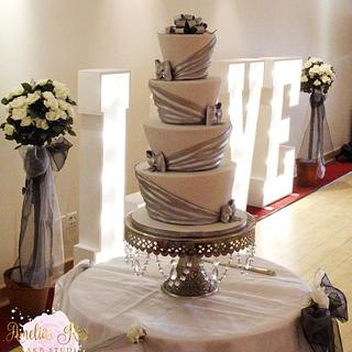 Silver drape wedding - Cake by Amelia Rose Cake Studio