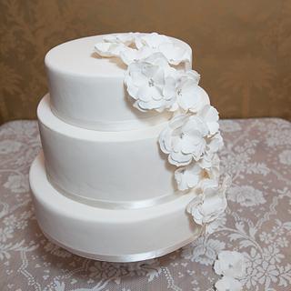 White open roses cascade Wedding Cake