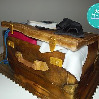 Vintage Suitcase - Cake by Bake My Wish