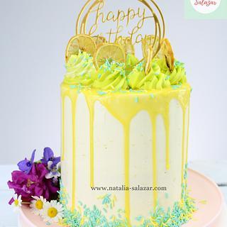 Drip lemon cake| Natalia Salazar