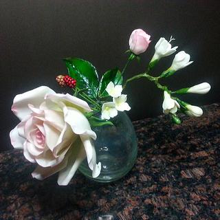 sugar flowers - Cake by torturipersonalizate