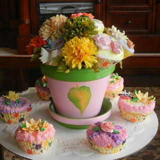 Cupcake Bouquet - Cake by Fun Fiesta Cakes