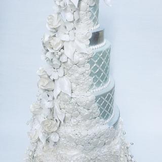 Winter Jewel  - Cake by lorraine mcgarry