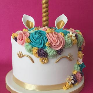 Katy's Unicorn cake - Cake by Roberta
