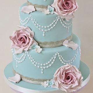 Vintage Wedding Cake - Cake by Cat Lawlor