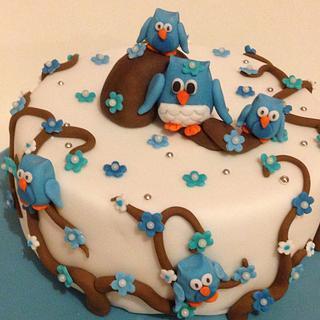 Blue branch owl cake