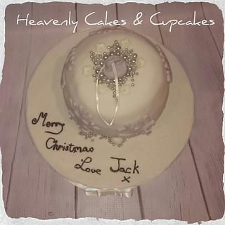 Christmas Bauble Cake - Cake by Sue Gulwell Heavenly Cakes & Cupcakes