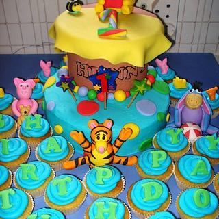 Birthday Cake - Winnie the Pooh Theme