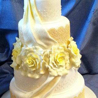 Cake Lace and Lemon Roses