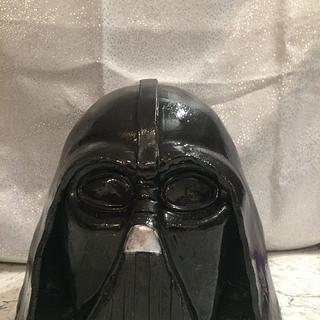 Darth Vader head - Cake by Mycakecorner