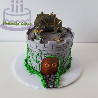 Small castle Dragon cake