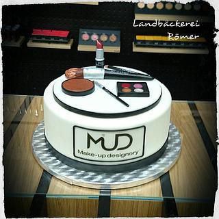 Make-up Cake for MUD Studio Vienna
