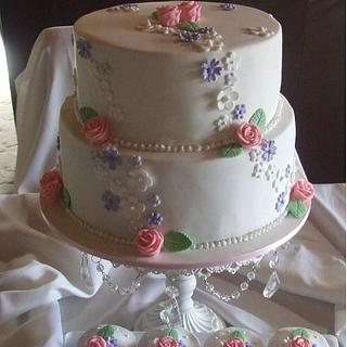 Pretty wedding cake & cupcakes..