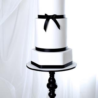 Less is more... - Cake by RED POLKA DOT DESIGNS (was GMSSC)