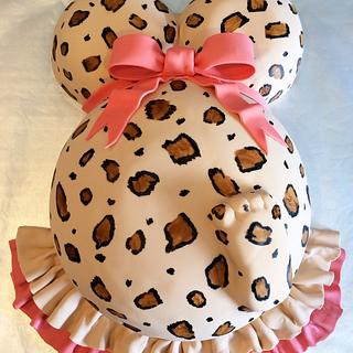 Is there a baby in there!?  - Cake by Sweet cakes by Jessica