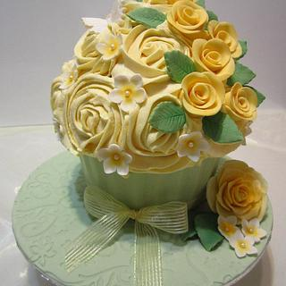 Yellow Roses Giant Cupcake
